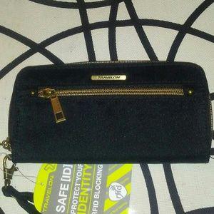 Travelon Wristlet/wallet